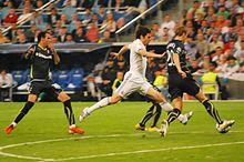 220px-Kaká_Real_Madrid_Tottenham